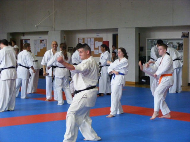 1006-stage-national-france-kyokushin-2010-06